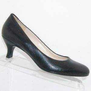 Naturalizer 'Marianne' black leather heels 7.5M